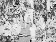 O Grunge de an?ncio riscado velho do vintage mura o papel de cartaz rasgado quadro de avisos, quadro urbano Crumpl vincado fundo  foto de stock