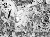 O Grunge de an?ncio riscado velho do vintage mura o papel de cartaz rasgado quadro de avisos, quadro urbano Crumpl vincado fundo  fotos de stock royalty free