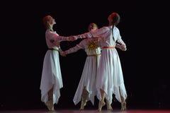 O grupo aberto da dança do ` s das crianças da dança Festival-2016 executa eslavo Foto de Stock
