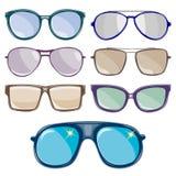 O grupo de óculos de sol é descrito em um fundo branco Vetor Fotos de Stock
