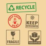 O grupo de etiqueta frágil para manter-se sinal de empacotamento refrigerado e do caso do ícone dos símbolos, mantém-se do carimb ilustração do vetor