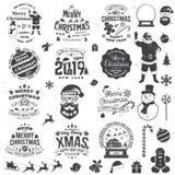 O grupo de Feliz Natal e o ano novo feliz carimbam, etiqueta ajustada com flocos de neve, bola de suspensão do Natal, chapéu de S ilustração stock