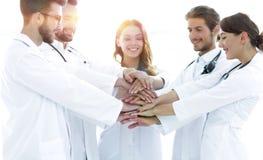 O grupo de internos médicos mostra sua unidade Foto de Stock