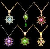 o grupo de ornamento dos pendentes do vintage da joia feito de seja Imagem de Stock