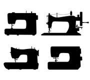 O grupo de preto isolou silhuetas do contorno de máquinas de costura. Coleção dos ícones de máquinas de costura ilustração do vetor