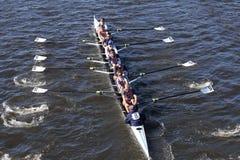 O grupo de Sarasota compete na cabeça da juventude oito do ` s de Charles Regatta Men Imagens de Stock Royalty Free