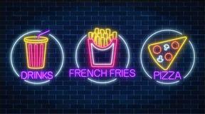 O grupo de três sinais de incandescência de néon das batatas fritas, a parte de pizza e a soda bebem em quadros do círculo ilustração do vetor