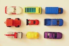 O grupo de vários carros brinca, imagem da vista superior Imagens de Stock