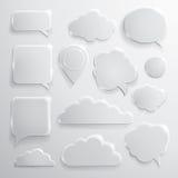 O grupo do discurso de vidro borbulha nuvens e ícones ilustração stock