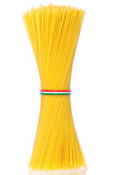 O grupo dos espaguetes italianos amarrou o owith um cabo Imagem de Stock