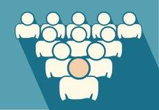 O grupo dos trabalhadores segue o líder da equipa Imagem de Stock