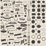 O grupo enorme de vintage denominou ícones do moderno do projeto Vector sinais e moldes dos símbolos para seu projeto Fotos de Stock