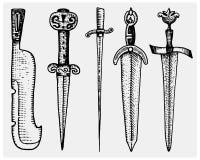 O grupo grande de espadas, vintage dos símbolos medievais da faca e dos macis, gravou a mão tirada no esboço ou a madeira cortou  ilustração do vetor