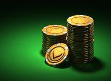 O grupo pequeno de casino do ouro lasca-se no verde Fotos de Stock Royalty Free