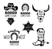 O grupo selvagem do oeste de rodeio do vintage simboliza, etiquetas, logotipos, crachás e elementos projetados Etiqueta ocidental Imagens de Stock
