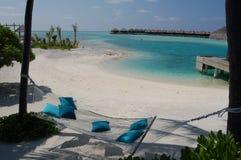 O hamaca do paraíso de Maldivas relaxa Imagens de Stock Royalty Free
