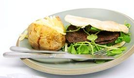 O hamburguer do vegetariano, watercress, brea de Pitta, cozeu P Foto de Stock Royalty Free