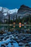 O ` Hara Lake Lodge schemering stock foto