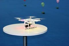 O helicóptero do brinquedo fotos de stock