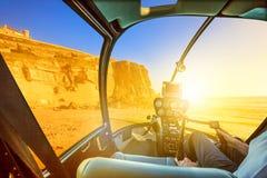 O helicóptero em Azenhas estraga a praia imagem de stock