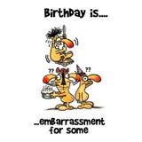 O homem é embaraçado em em seus aniversário e esconder Imagem de Stock Royalty Free