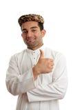 O homem étnico feliz manuseia acima do sucesso foto de stock royalty free