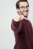 O homem aponta seu indicador em você Fotografia de Stock Royalty Free