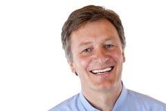 O homem atrativo, saudável, vital, envelhecido sorri feliz fotografia de stock royalty free