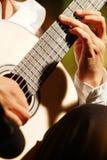 O homem da guitarra Fotografia de Stock