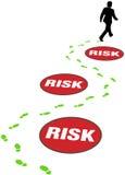 O homem de negócio da segurança evita o risco do perigo Imagens de Stock