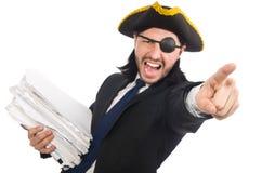 O homem de negócios do pirata que mantém o martelo isolado no branco Foto de Stock Royalty Free