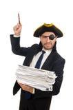O homem de negócios do pirata que mantém papéis isolados no branco Fotos de Stock