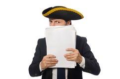 O homem de negócios do pirata que mantém papéis isolados no branco Imagem de Stock Royalty Free