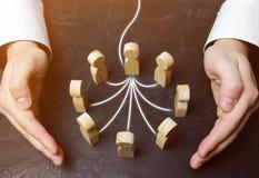 O homem de negócios forma uma equipe nova Gestor de projeto de Timlid, gestão do pessoal Cuidado do cliente, cuidado para emprega imagem de stock royalty free