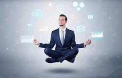O homem de negócios levita com conceito da circulação dos dados imagem de stock royalty free