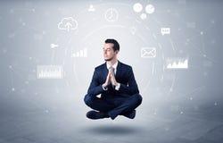 O homem de negócios levita com conceito da circulação dos dados imagem de stock