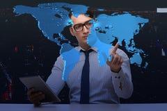 O homem de negócios no conceito do negócio global Imagem de Stock Royalty Free