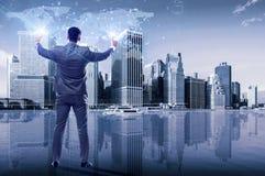 O homem de negócios no conceito do negócio global Fotografia de Stock Royalty Free