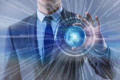 O homem de negócios no conceito do negócio global da globalização Imagem de Stock Royalty Free