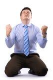 O homem de negócios novo mostra o sinal Foto de Stock Royalty Free