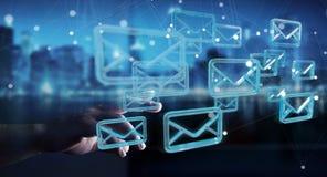 O homem de negócios que guarda e que toca na flutuação envia por correio eletrónico a rendição 3D Imagens de Stock