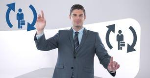 O homem de negócios que interage e que escolhe uma pessoa dos ícones dos povos com refresca símbolos Imagem de Stock