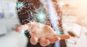 O homem de negócios que usa a rede digital 3D da conexão do código binário arranca Foto de Stock Royalty Free