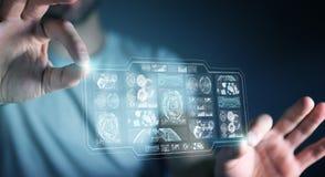 O homem de negócios que usa telas digitais com dados 3D dos holograma rende Imagem de Stock