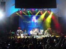 O homem de Souljahz rebelde canta na fase no concerto de MayJah RayJah Imagem de Stock Royalty Free