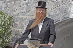 O homem do hurdy-gurdy Fotos de Stock Royalty Free