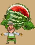 O homem do jardineiro dos desenhos animados mostra uma melancia aberta enorme ilustração royalty free