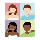 O homem e a mulher escovam seus dentes Imagem de Stock
