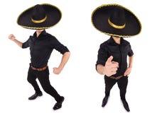 O homem engraçado que veste o chapéu mexicano do sombreiro isolado no branco Imagem de Stock Royalty Free