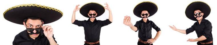 O homem engraçado que veste o chapéu mexicano do sombreiro isolado no branco Fotografia de Stock